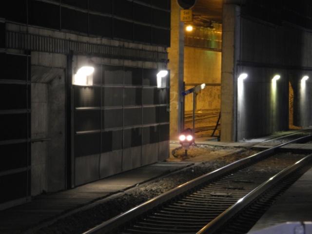 Södra utfarten från södra station. Spår 4 närmast, men vad är det för spår på andra sidan väggen?