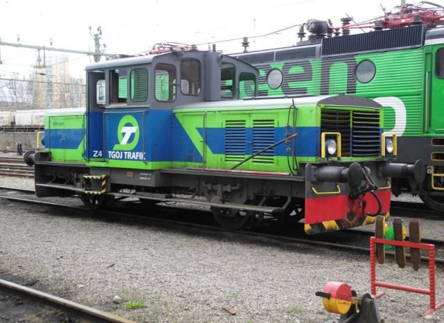 Z4 11 Klimpen sköter tillsammans med 10:an växling vid övre TGOJ-verkstaden. Även snöborstningstjänst förekommer