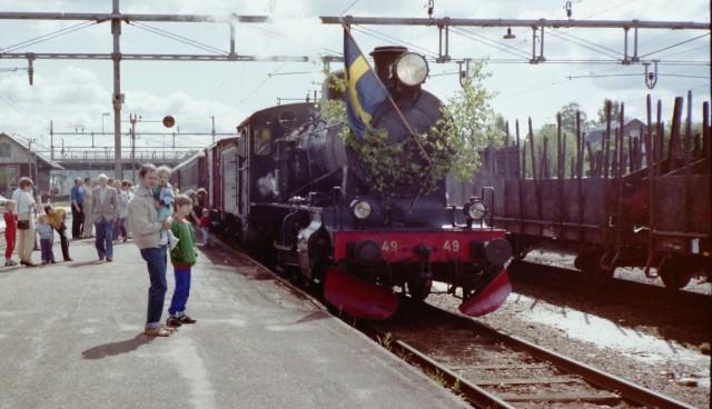 TGOJ M3 49 innan avgång på Smedjebackens station